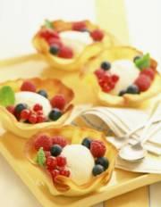 Fresh Berries and Ice Cream Dessert Cups   DianasDesserts.com