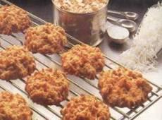 Oatmeal Macaroons | DianasDesserts.com