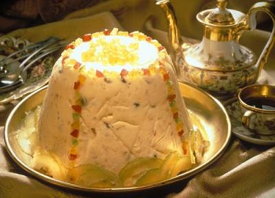 of russian easter bread kulich on diana s desserts website